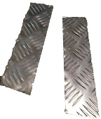 SERIES 3 BOTTOM OF FRONT WING CHEQUER PLATE