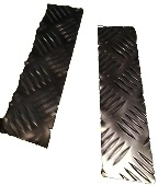 SERIES 3 BOTTOM OF FRONT WING CHEQUER PLATE BLACK 3MM
