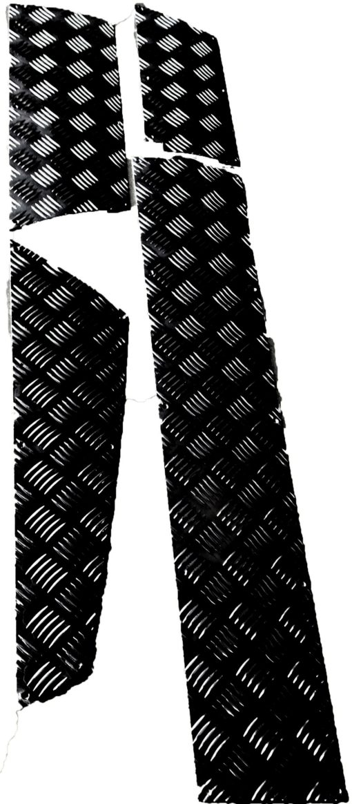 R/ROVER CLASSIC CHEQUER SKIRTING KIT BLACK (2 DOOR)