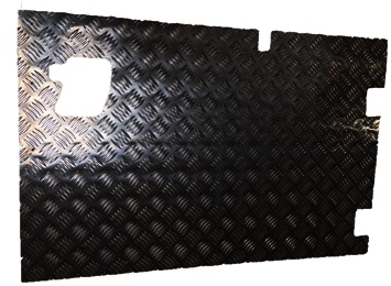 REAR SAFARI DOOR CHEQUER PLATE COVER WITH WIPER CUTOUT(EXTERNAL)