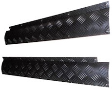 DEFENDER TREADPLATE 2ND ROW DOOR RADIUS COVERS - BLACK