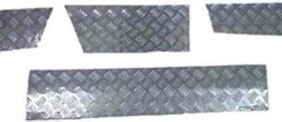 DISCOVERY 1 SKIRTING CHEQUER PLATE